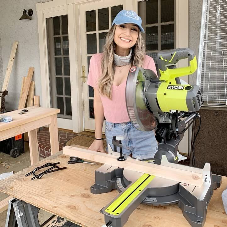 8 Best Sliding Miter Saws For Homeowner